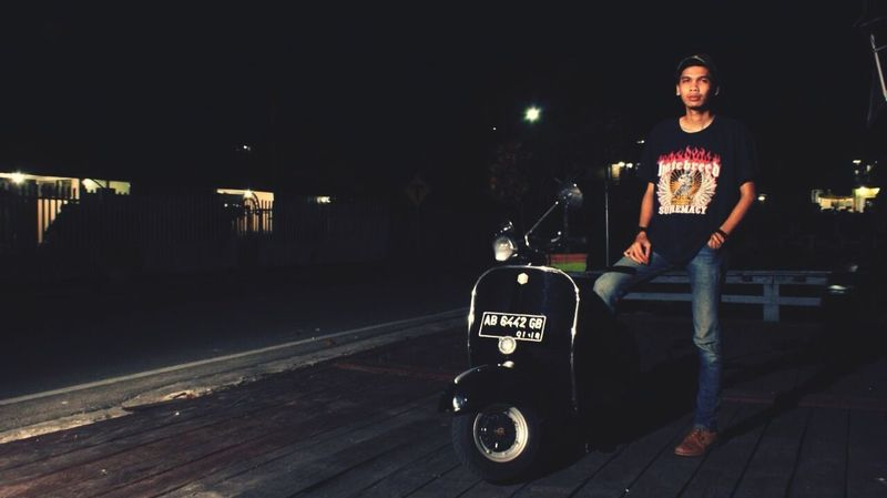 Taking Photos Model Vespa Hatebreed Enjoying Life