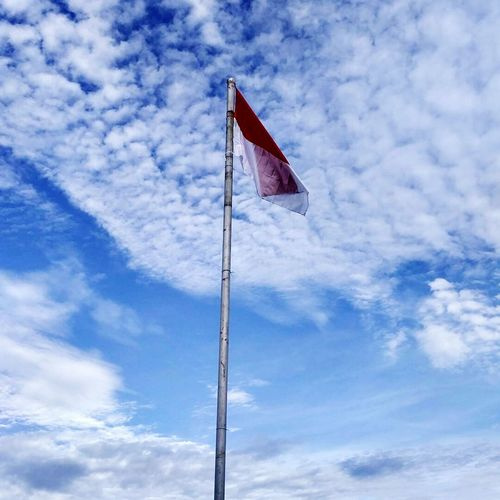 Merah Putih Tetaplah Kau Berkibar INDONESIA Indonesia_photography Indonesia_allshots IndonesianFlag Indonesia Banget Indonesiabagus Indonesia Culture Indonesiaku1 Indonesiaindah Indotravellers Benderamerahputih Merdeka Merdekamerahputih Sky Cloud - Sky Patriotism Low Angle View Day No People Outdoors