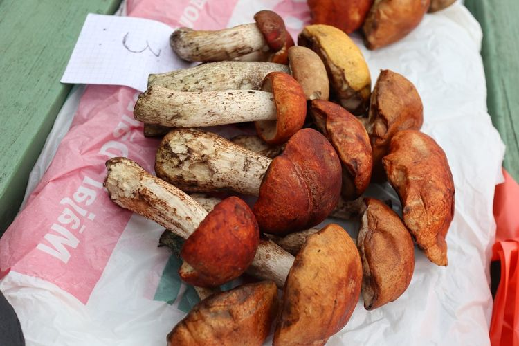 Food And Drink Food High Angle View Bread No People Healthy Eating Close-up Day Ready-to-eat Freshness Mushroom Mushrooms Mushrooms 🍄🍄 Market Market Stall Freshness