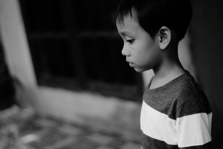 Side view of boy looking away