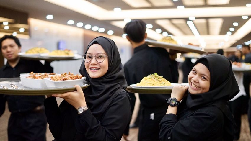 Food Food And Drink Smiling Women People Young Women Cheerful Muslim Muslimah Malay