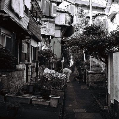Tondabayashi Japan OSAKA T3 Trip Travel Road People Film Filmphotography Filmstagram 35mm VSCO Vscocam Vscofilm Contax Contaxt3 Cymera Cymeraapp