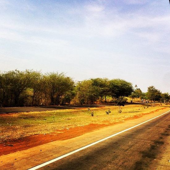 the road less travelled! Traveldiaries Traveldiaries2015 Roads Ontheroad Thatview Thatscene Countryside Beautifulindia Indianroads Beautifulroads Beautifulhighways Highways Happiness Bliss Travellingisfun Igersnavimumbai NH4 Belgaum  Belgaumdiaries Belgavi :)