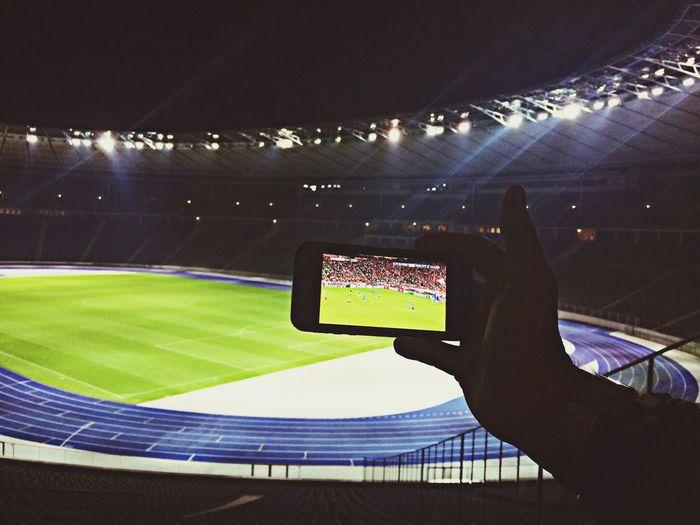 Fußballfieber im Stadion, nur irgendwie anders... ;) Berlin Olympiastadion Schönesberlin