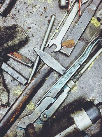 Werkzeugbank. Werkzeug Werkzeugbank Tool Instruments Tools Hammer Streetphotography Factory Urban Urban Geometry