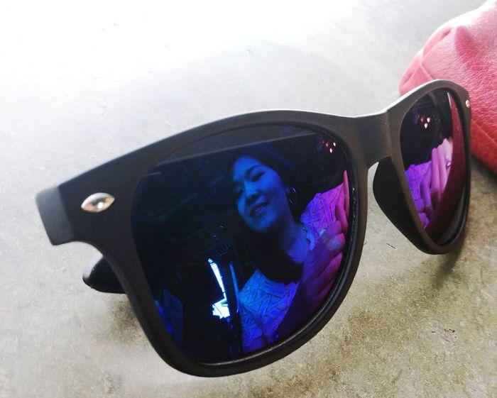 Mood Glasses Reflect