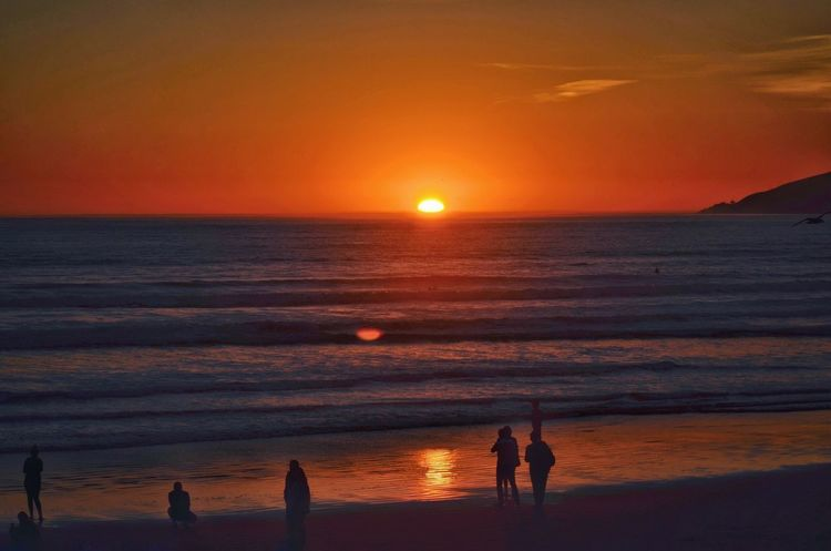 Sunset Orange Color Sea Beauty In Nature Scenics Sun Nature Silhouette Sky Water Horizon Over Water Beach Tranquil Scene Tranquility Leisure Activity Real People Lifestyles Idyllic Cloud - Sky Vacations Art Is Everywhere California Nature Silhouette Outdoors