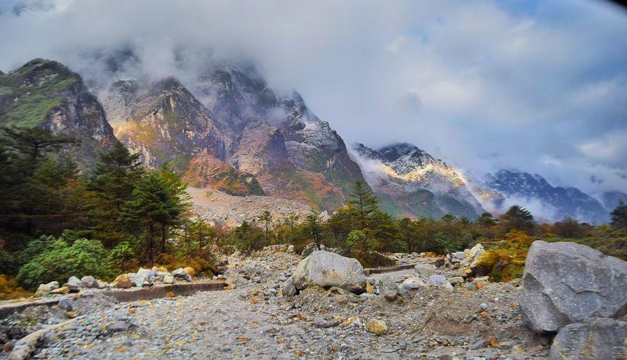EyeEm Selects Mountain Nature Rock - Object Mountain Range Beauty In Nature Outdoors Mountain Peak No People Day Cloud - Sky Landscape Scenics Tree Sky Snow
