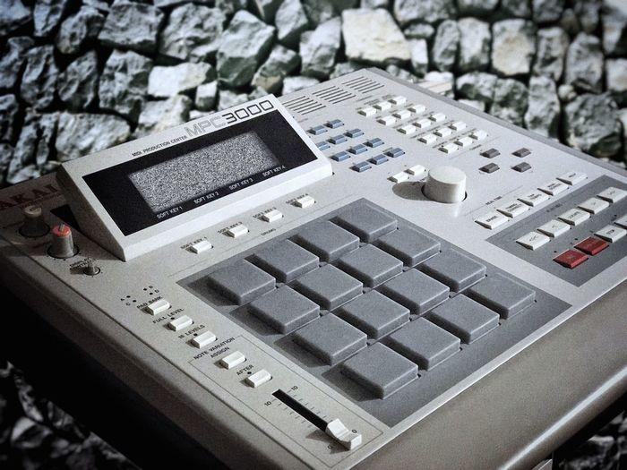 Music Technology Technology Sampling Musical Instrument Drumcomputer Sampler No People Close-up Retro Styled Computer Keyboard Mpc3000 AkaiMpc Hiphop Culture Art Of Sampling