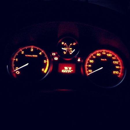 Peugeot Hdi 207 Peugeot207 interier rpm kmh orange tuelove love my car