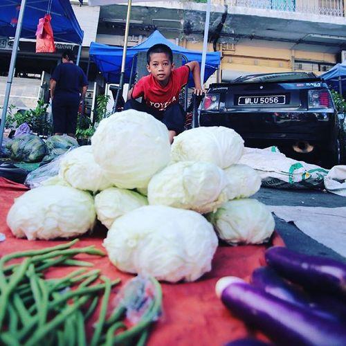 Like a boss Gaya Street - Kota Kinabalu , Sabah Gayastreet Kotakinabalu Sabah Negeribawahbayu Tourism Malaysia Reflexsology Market Pasar Vscomalaysia Vscography VSCO Fresh Fruit Vegetable