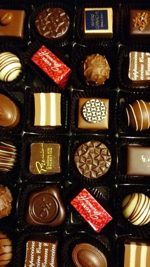Valentines Day Valentine's Day  Valentine Chocolate Boxofchocolates Chocolate♡ Chocolates Morozoff