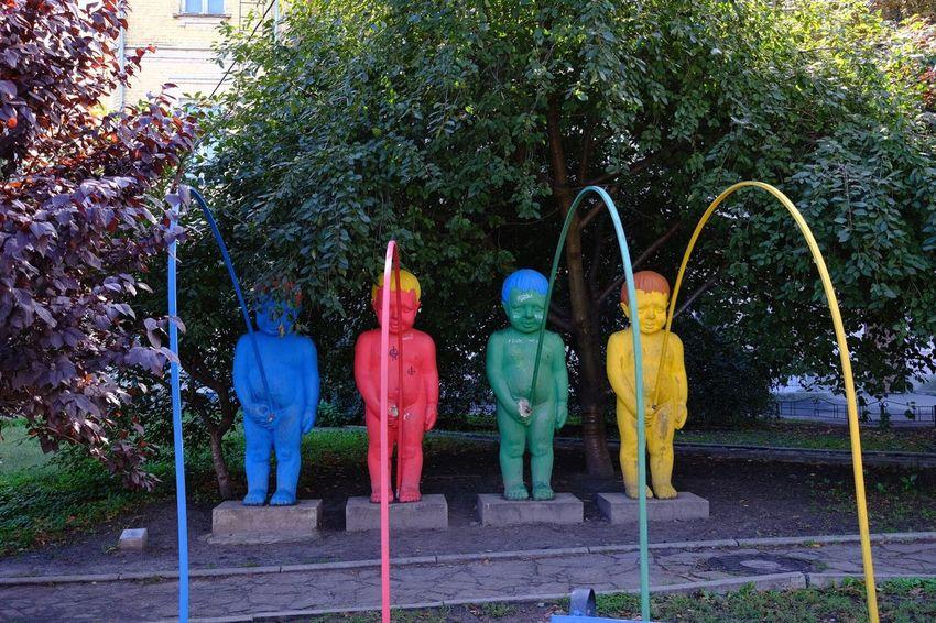 Kiev Ukraine Kiew Representation Human Representation Tree Statue Sculpture Plant Male Likeness Creativity Outdoors Craft Park Park - Man Made Space Art And Craft