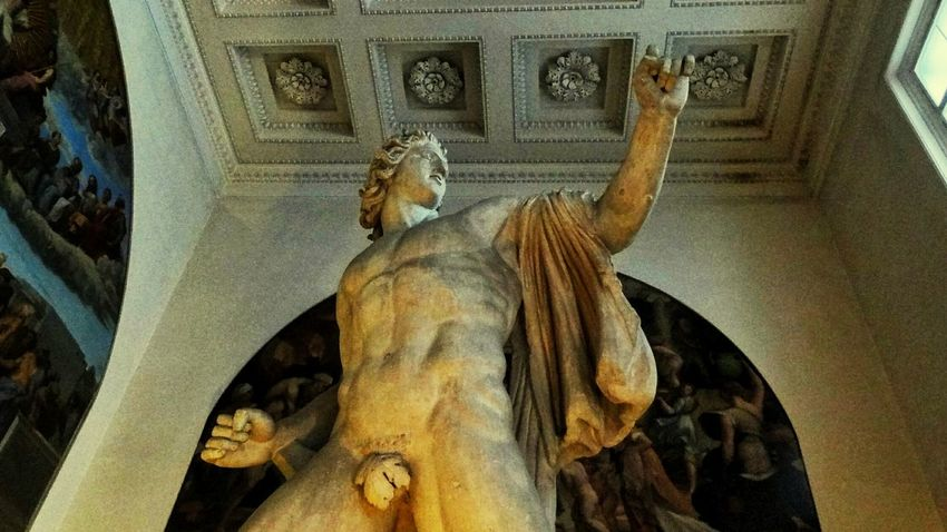 Statue Low Angle View No People Architecture Museum Sculpture Historic History Male Likeness