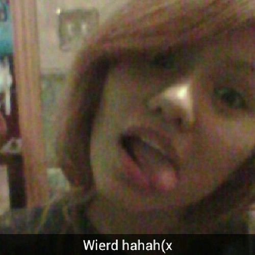 You gotta lovr this pic to love me lmao(x Anaiswierd Wierdismylife Anathewierdo LoveMe ♥ツ