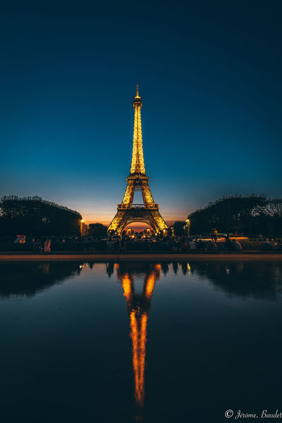 "« Les gens s'étonnent toujours que vous ne quittiez pas Paris l'été, sans comprendre que c'est précisément parce qu'ils le quittent que vous y restez. » Henry de Montherlant - Soirée Eiffel et reflets avec un coucher de soleil si beau et une nuit calme pour un été tout en douceur. ---- ""People are always surprised that you did not leave Paris in the summer, without understanding that it is precisely because they leave it that you stay there. Henry de Montherlant - Eiffel evening and reflections with a sunset so beautiful and a quiet night for a summer smoothly. Tour Eiffel Paris Paris, France  Paris ❤ Paris Je T Aime Night Nightphotography Night Lights Nikon Nikonphotography HUAWEI Photo Award: After Dark Architecture Building Exterior Built Structure City History Iron - Metal Nature No People Outdoors Reflection Sky Tall - High The Past Tourism Tower Travel Travel Destinations Tree Water"