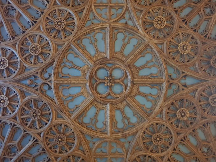 Wood Wood - Material Harry Potter Pattern Symmetry Full Frame Close-up Architecture Built Structure Architectural Design Architecture And Art Ceiling Floral Pattern