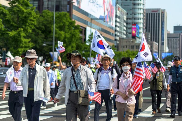Korean Demonstration Gyeongbokgung The Photojournalist - 2018 EyeEm Awards The Traveler - 2018 EyeEm Awards Korea Seoul Alliance Secondtonone Celebration Street