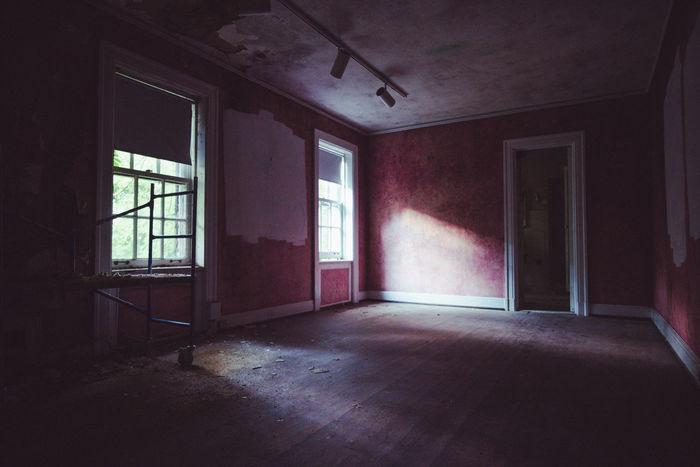 abandoned mansion in Fairlawn, OH Abandoned Ohio Abandoned Places Urban Exploration Abandoned Haunted Mansion Urbex Vintage