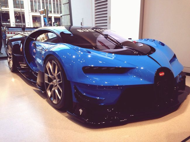 Bugatti👌🏼😍 Iphone4only Cars Consept Good Times Close-up Bugatti Roof