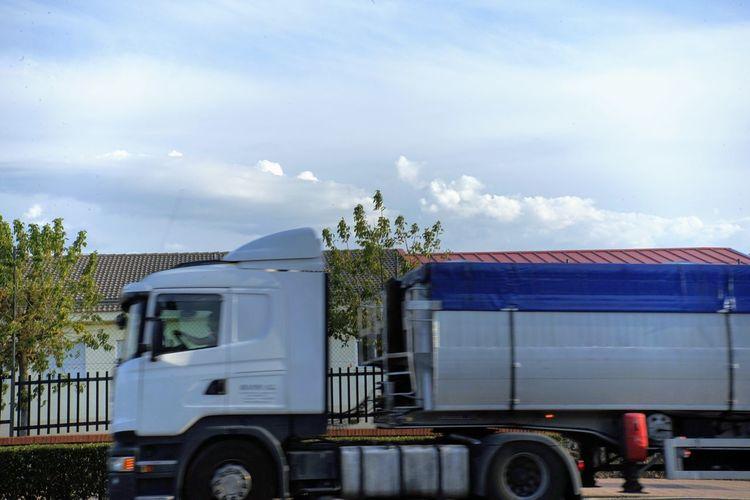 Trucking Land