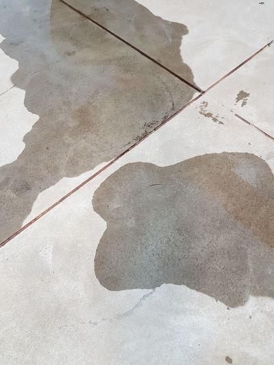 diferente Limites Diferente Diferent Manchas Cement Cement Floor Cemento Shadow Sunlight Close-up Drawn Track - Imprint Textured