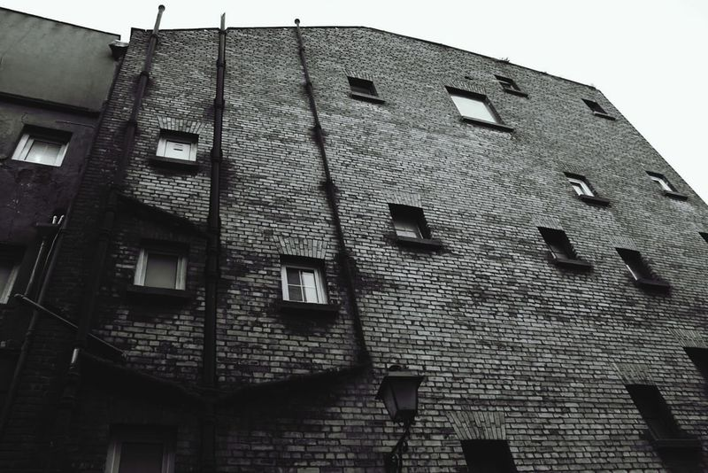 Building Exterior Low Angle View Architecture Built Structure House No People Outdoors Day Architecture_collection Blackandwhite Blackandwhite Photography Streetphotography Streetphoto_bw