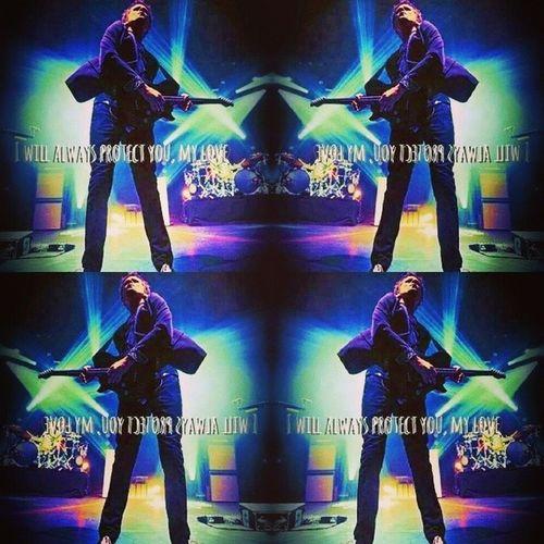 Follow me <3 Muser Muserforever Followme Mattbellamy manson the2ndlaw the2ndlawtour the2ndlawofthermodynamics pwopermuser mansonguitar guitar @shantheunic0rn_