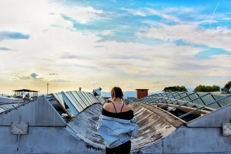 She.. One Person Sky Cloud - Sky Women Young Adult People Outdoors Cityscape Amazing Photo Architecture Building Terrace Backgrounds Sunset City Life Cityscape Landscape EyEmNewHere Beautiful View Loveworld Blue Day Myworld EyeEmNewHere Abbandoned J•Gabri-zet