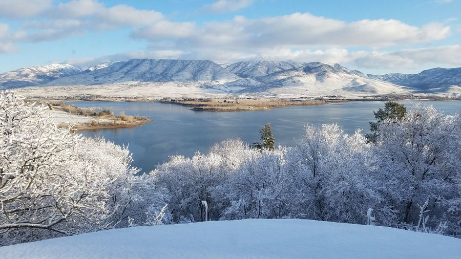 Mountains Winter Snow ❄ Frozen Lake Snow Covered Landscape Lake View Mountains And Valleys Lake Winter Morning