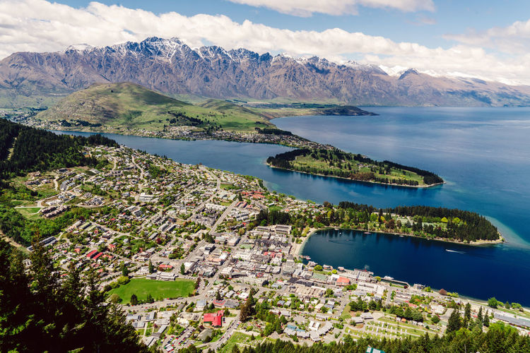 Blue Capital Of Extreme Sports Green Mountains Outdoors Queenstown South Island Wakatipu Walking Around Water