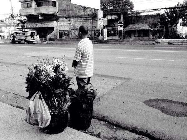 FLOWER VENDOR EyeEm Best Shots Eyeem Philippines EyeEmCDO Faces Of EyeEm Blackandwhitephotography MJBRPhotography