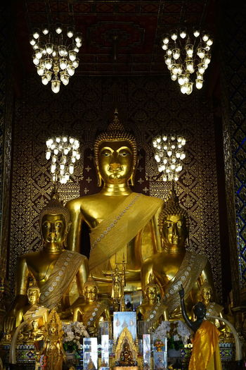 No People No Person Day Sculpture Statue Gold Idol Place Of Worship Gold Colored Spirituality Religion Human Representation Male Likeness Golden Color Temple Buddha Golden Buddhism Religious