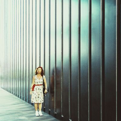 Thinking lines | Líneas de pensamiento Architecture Lines Light People Watching