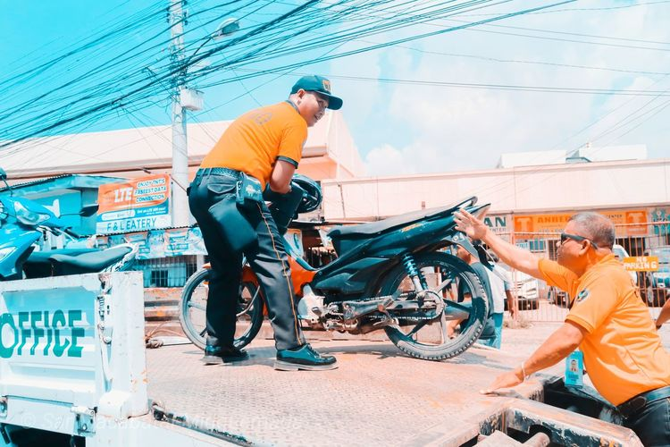 traffic enforcement Traffic Traffic Enforcer Motorcycle Impoundment Volunteer Working City Full Length Men Spraying Manual Worker Skill  Traffic Jam Vehicle