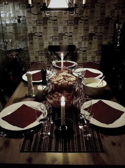 bjudna på middag :)