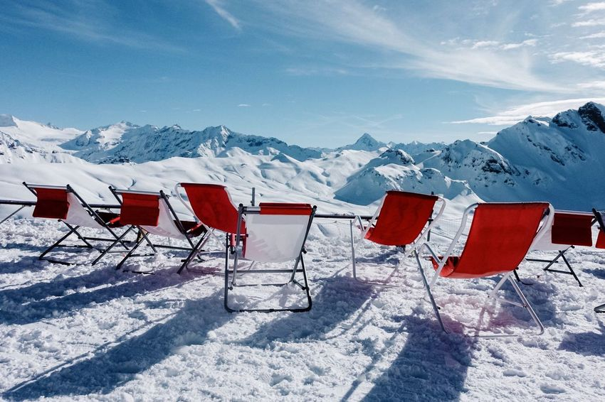 Take a seat... Enjoying The Sun Scenic View Relax Bonistock Switzerlandpictures Switzerland Snow Cold Temperature Winter Mountain Mountain Range Weather Snowcapped Mountain Nature Day Outdoors Red Tranquility No People Sky Landscape Beauty In Nature