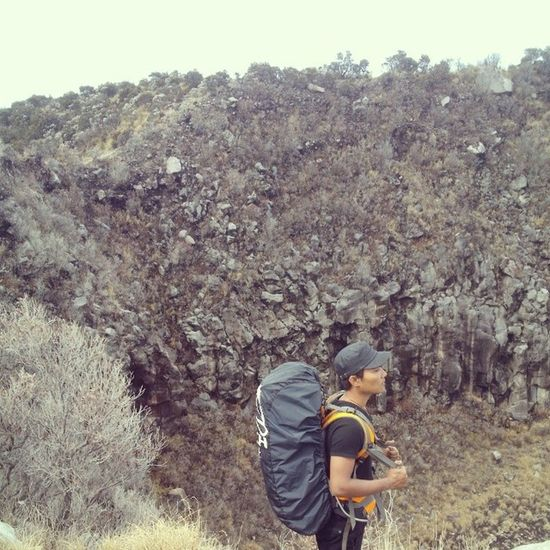 Dua tahun lalu kawahmu bisa kuturuni namun sekarang kau beranak pinak dan penuh dengan kubangan air belerang Kangen gue ma lu Sindoro (?) Mount_sindoro Centraljava Mytrip MyAdventure