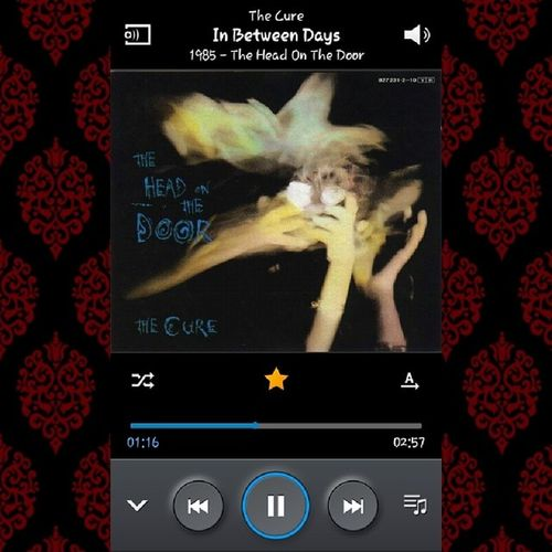 Escuchando uno de mis discos favoritos Theheadonthedoor Thecure Curefans Thecure1985 1985 los80s thecurefans amoathecure ilovethecure