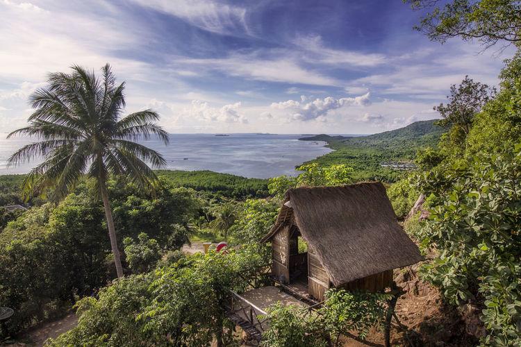 the hut at