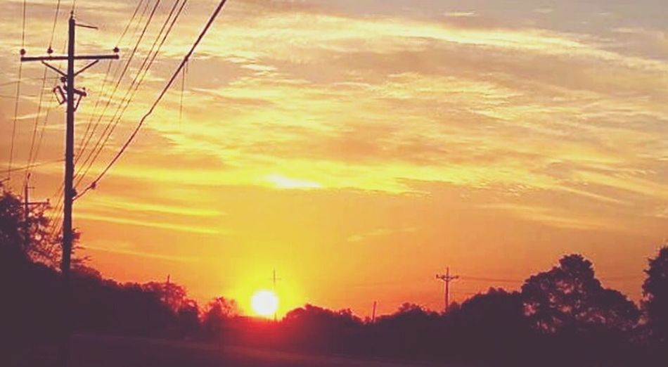 Beauty In Nature Sun Power Line  Silhouette Louisiana Skies Eye Of Ky Sky_collection Louisianaphotography Cellphone Photography Louisiana Beauty In Nature Sky