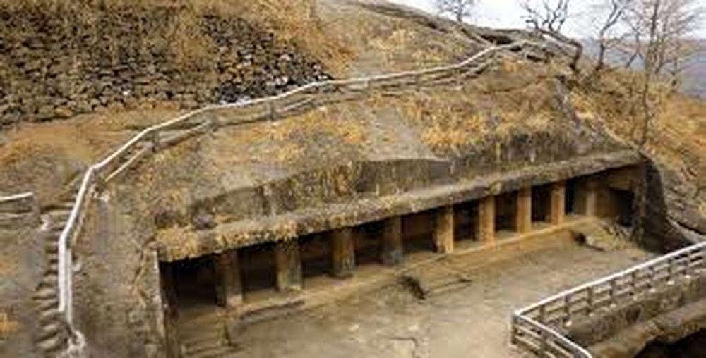 kanheri caves built in 1 st century Architecture