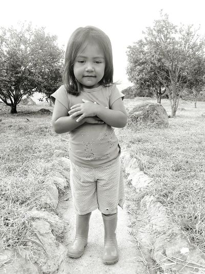 Child Colombia Es Bella Close-up Colombia Nina Blancoynegro Culturas This Is My Skin