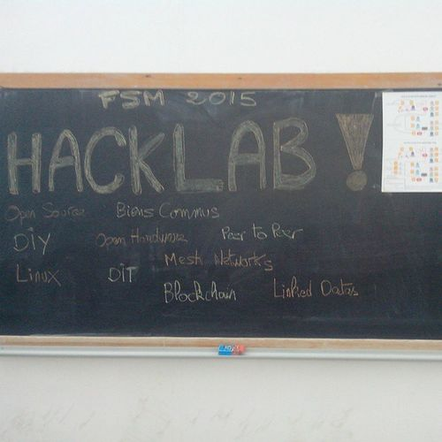 FSM2015 WSF2015 Hacklab  DIY CrytoParty PirateBox MeshNetwork back 2pm
