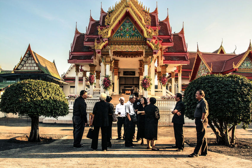 """We love you. """"Say good bye with the last light"""" Asian Culture Culture EyeEm Feelings Goodbye Life Light Light And Shadow People Rest In Peace Taking Photos Temple Thailand"""
