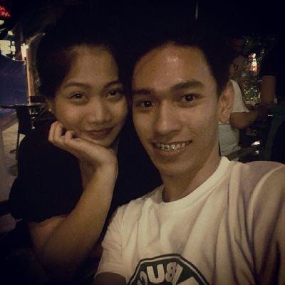 Look who's with me? hahaha! Bonding with my ex-gf but now a good friend of mine. Weeee. :)) Coffee Coffeelover Coffeeaddict SB starbucks starbucksPh