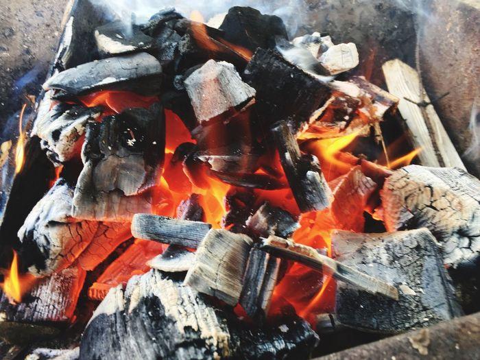 Горящий уголь огонь уголь Burning Fire Heat - Temperature Coal Fire - Natural Phenomenon No People Close-up Flame