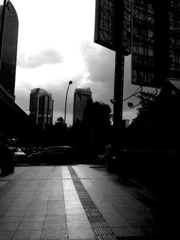 Jakarta Suatu Sore Iphone 5 Light And Shadow Enjoying Life Light Black And White Photography Walking Around Jakarta Cityscape Jakarta As I See It Cityscapes Street Photography Shadows & Lights