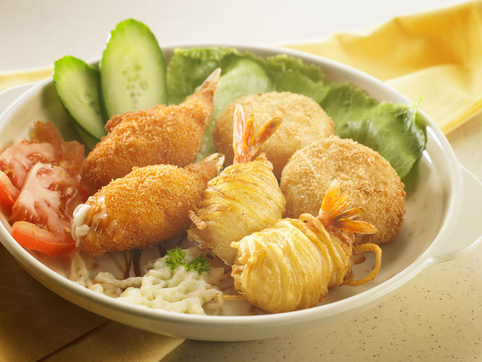 seafood platter Crispy Cucumber Seafood Bowl Close-up DIP Fish Ball Food Food And Drink Freshness Healthy Eating Indoors  No People Plate Platter Prawn Ready-to-eat Salad