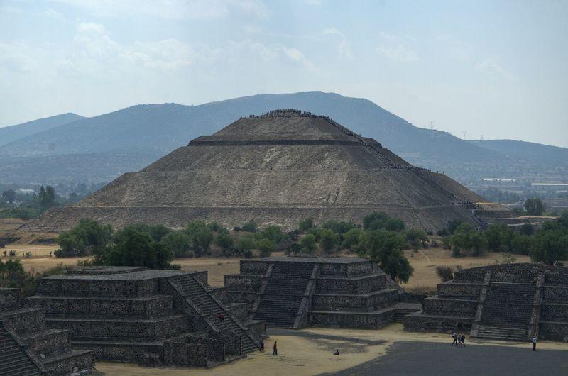 Pirámide del sol. Zona Arqueológica de Teotihuacan. México Travel Photography Landscape_Collection Mexico Teotihuacan Arqueology Piramide Del Sol Streamzoofamily